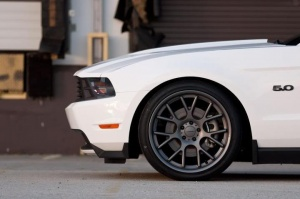 Ford Mustang tire size